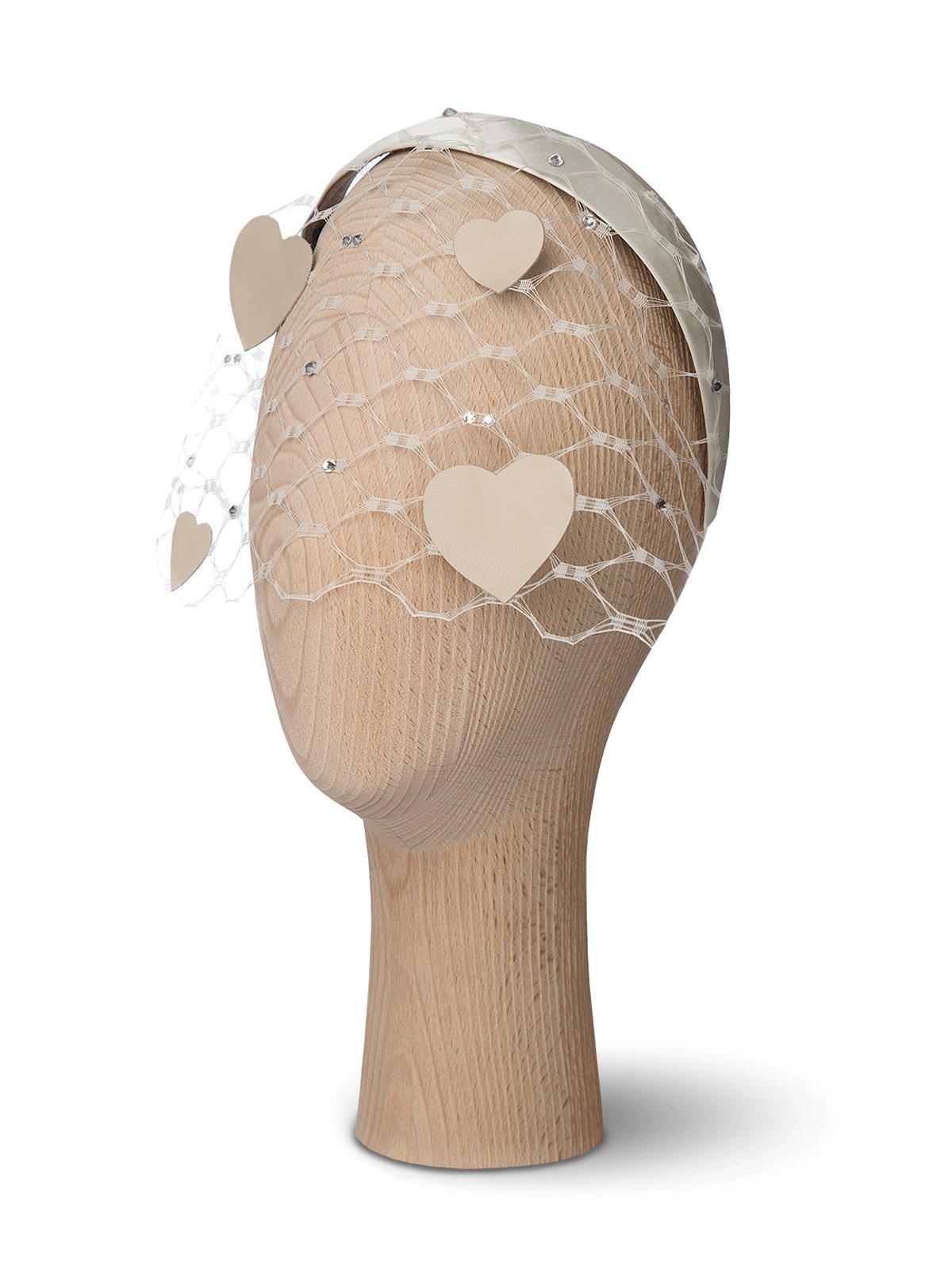 Veil Heart Nude